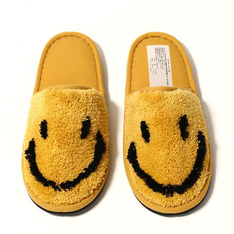 SECOND LAB. SMILE ROOM SHOES