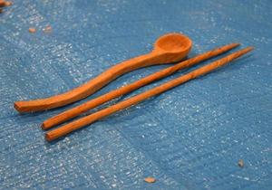 お箸が細い!持ちやすそうなデザインです。