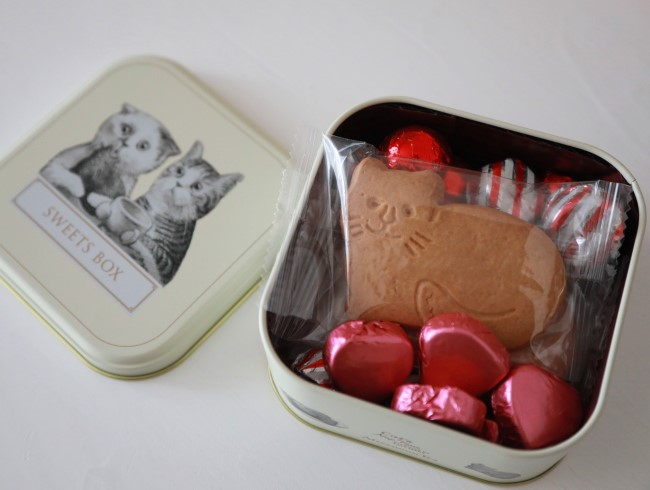 猫型クッキー&チョコ。