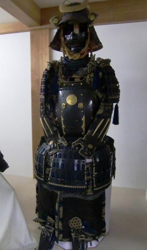 飯香岡八幡宮宝物殿に収蔵されている甲冑
