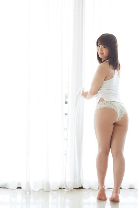 http://idol.takeshobo.co.jp/wp/wp-content/uploads/2017/07/hn_0261-600x900.jpg