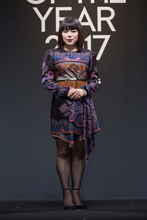 https://www.vogue.co.jp/uploads/media/2017/11/24/01_woty_buruzon.jpg