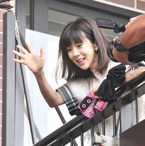 https://daily.c.yimg.jp/gossip/2017/08/12/Images/f_10456121.jpg