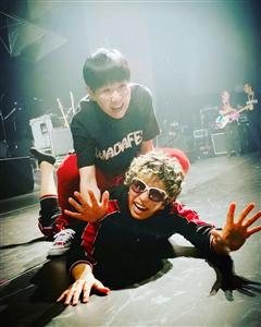 この和田アキ子とGACKTの写真ワロタwww