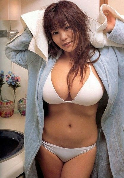 https://i.pinimg.com/736x/d4/d2/a7/d4d2a7a66f8aeacaeb132bf33897b96c--white-swimsuit-asian-angels.jpg