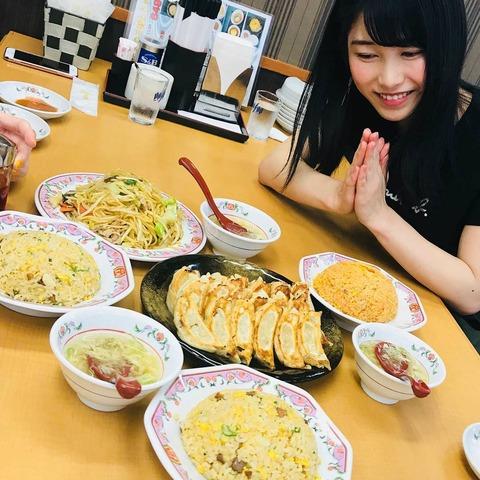 【飯報】横山由依さん、餃子の王将で豪遊