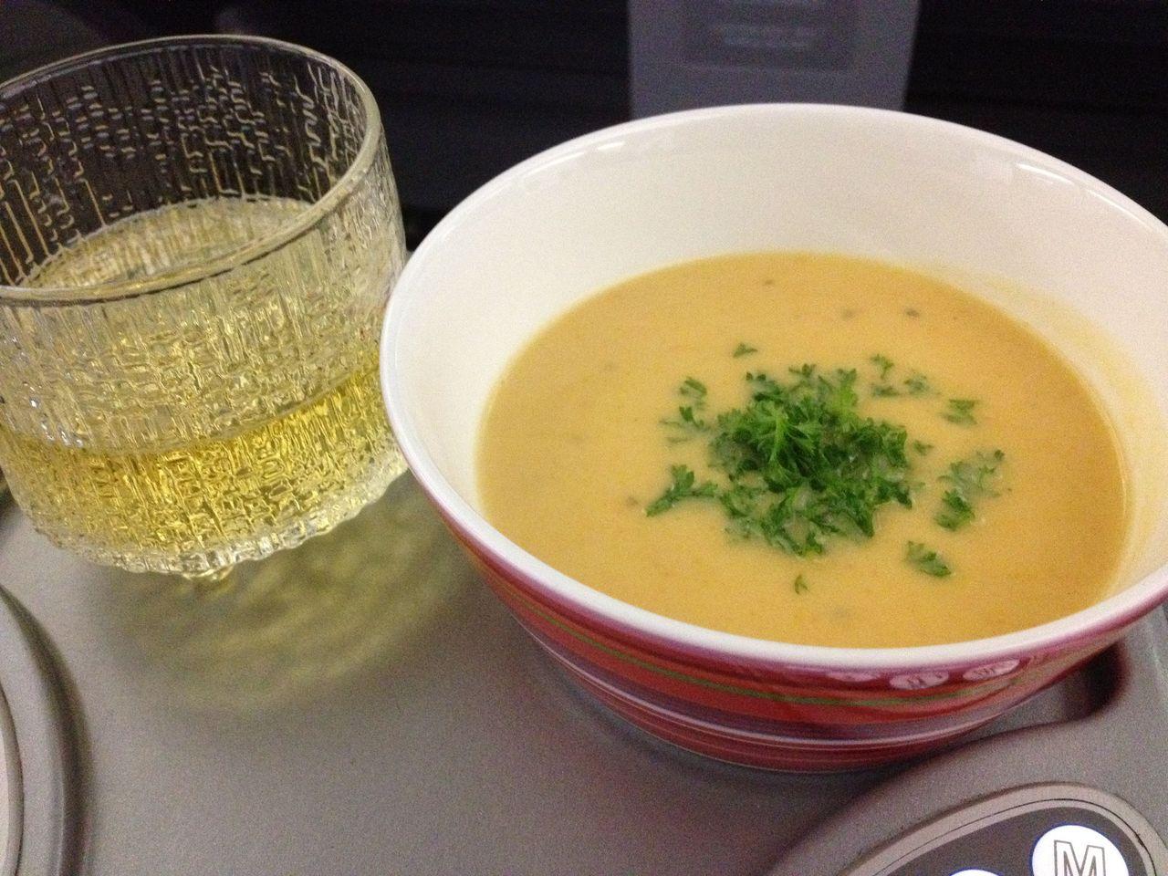 20120102機内食スープ&ワイン