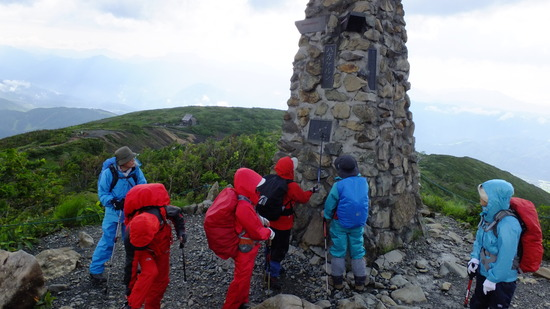 唐松岳2 強風の中を登る 北アルプス