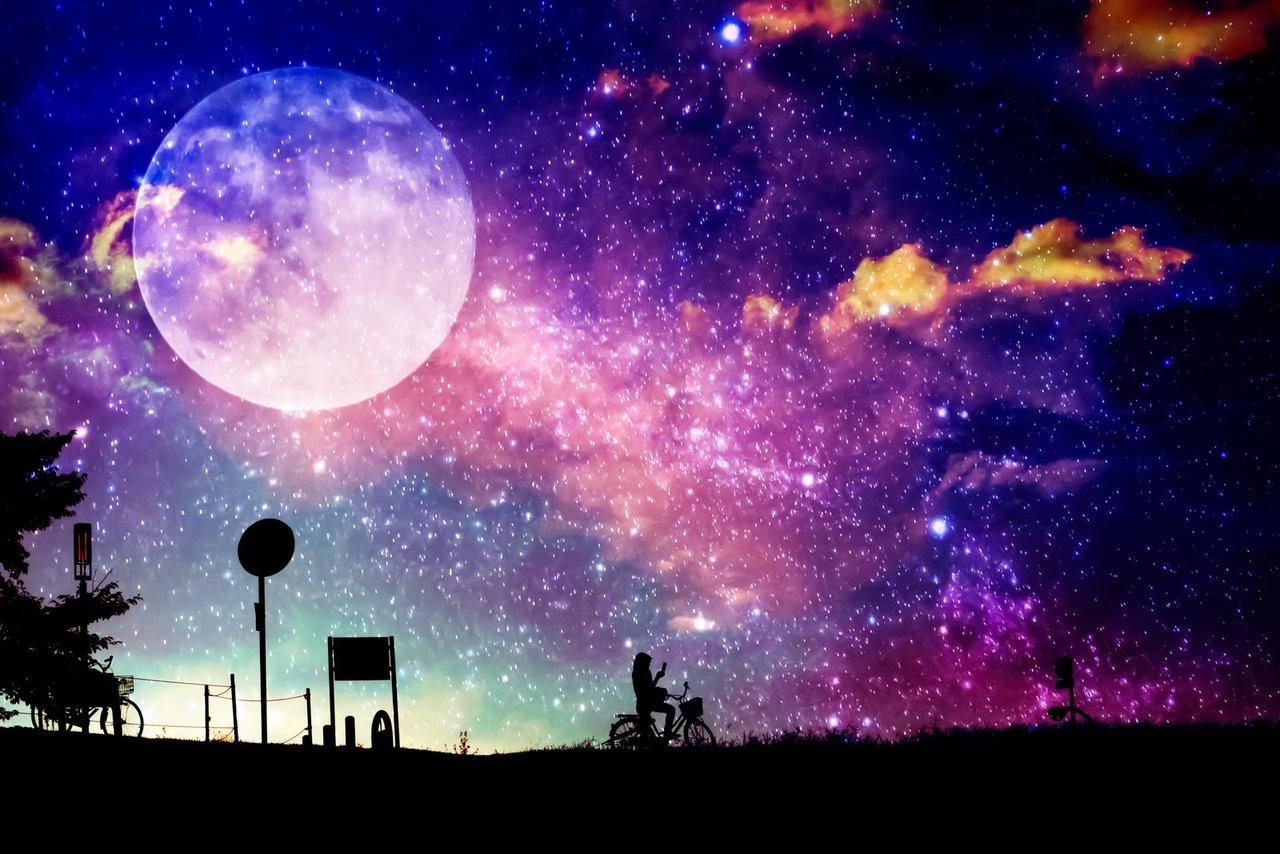 月 が ね 今夜 です は 綺麗