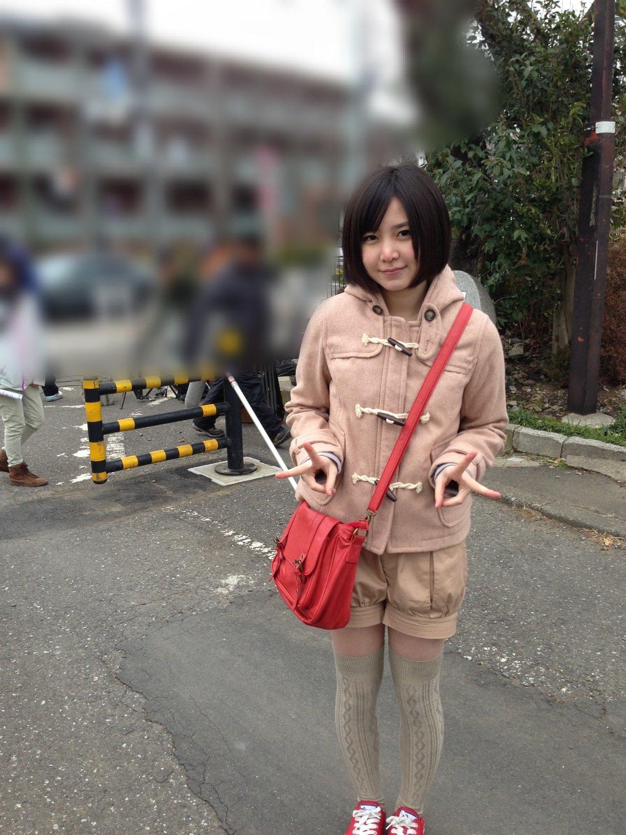 38歳のAKBファン 握手会で岩田華怜(15歳)に結婚を申し込み、断られAKB運営会社を提訴 e0507e8e 芸能ニュース