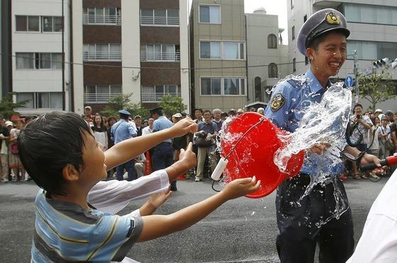 japan_police_child