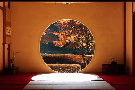 japan_autumnwindow_2