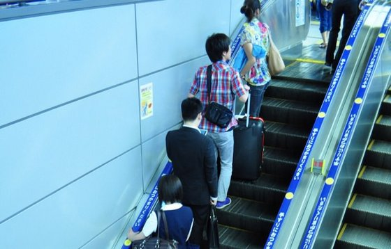 japan_escalator2