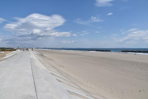 docomo-drone-beach_09