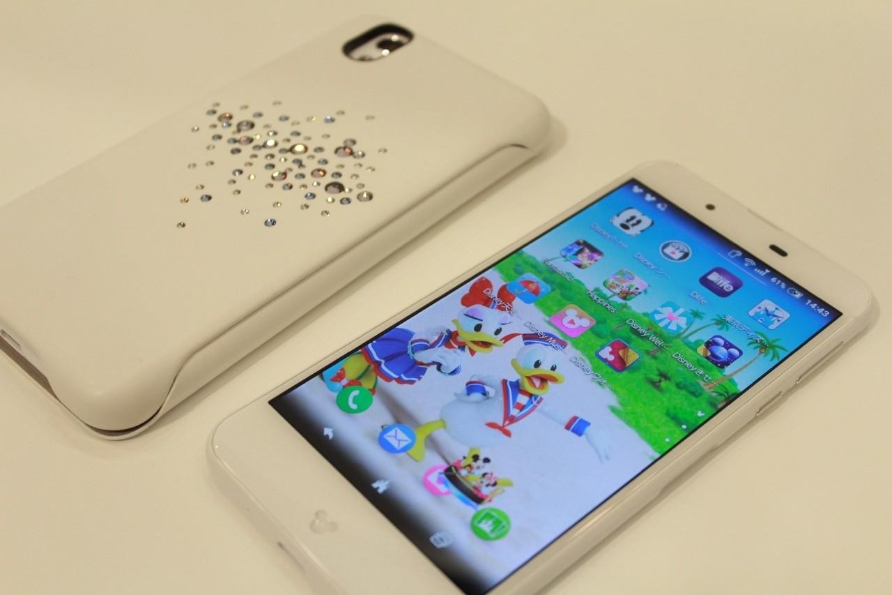 384c158a9f ディズニースマホ「Disney Mobile on docomo DM-01J」の新色ホワイトを7月28日発売!