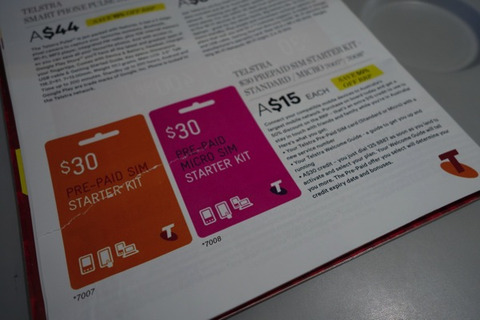 機内販売されているTelstraのSIMカード