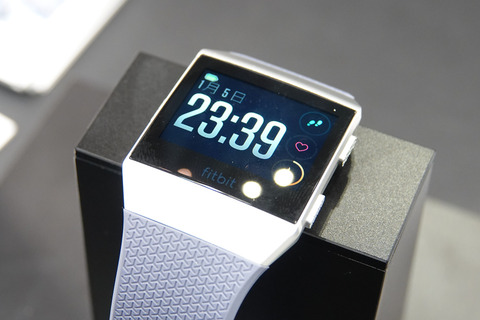Fitbit-ionic-003