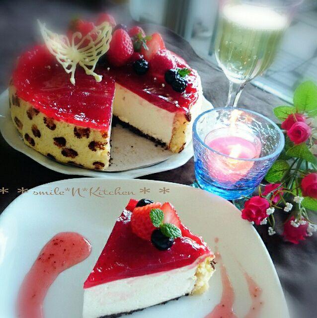 苺のレアチーズケーキ*レオパードスポンジ SnapDish 料理カメラ