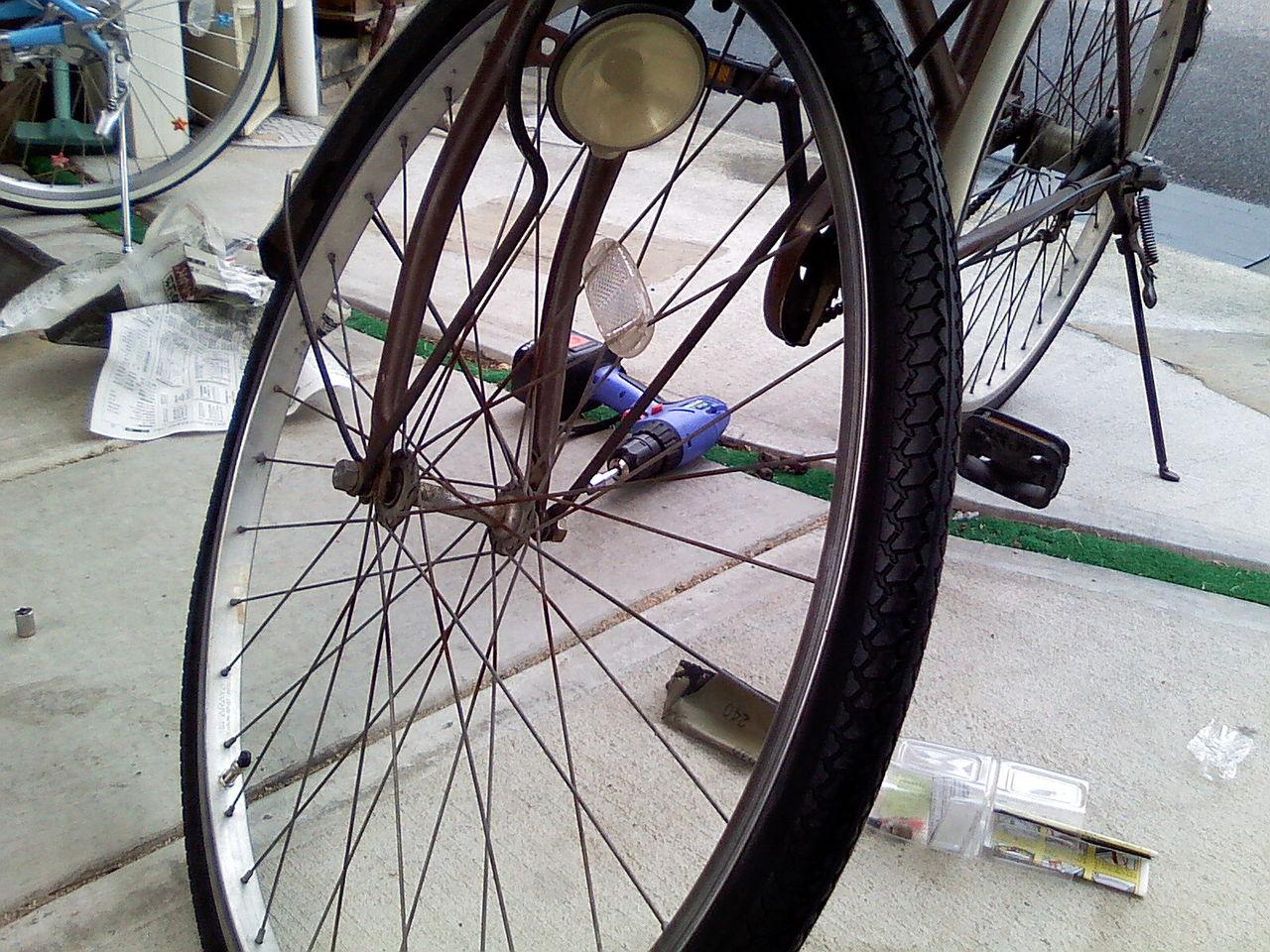 で自転車タイヤの交換・パンク ...