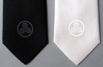 家紋ネクタイ-丸に三つ柏紋