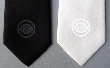 家紋ネクタイ-丸に剣木瓜紋