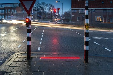 bodegraven_pedestrian_sidewalk_light_netherlands_signl.0