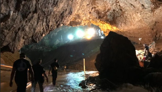 Tham_Luang_Cave_Entrance_Twitter_ElonMusk_1120