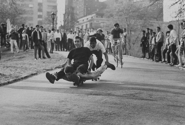 2FSkateboarders