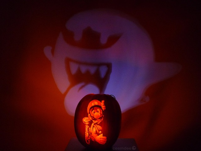 luigi_s_mansion_pumpkin_projection_by_ceemdee-d6stvl7