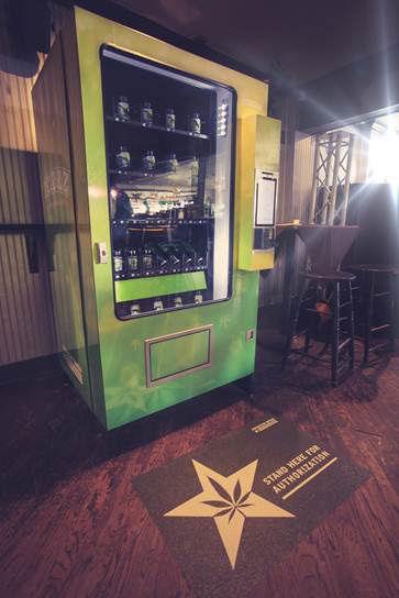 150127_marijuana_vending