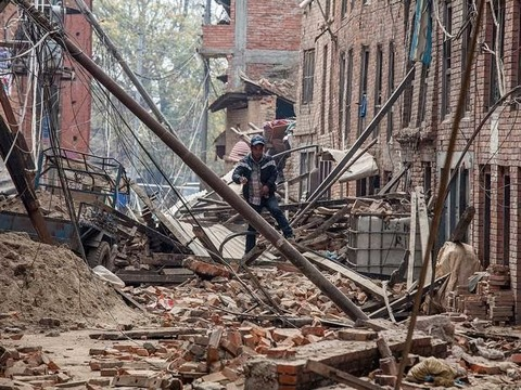 earthquake-strikes-in-afghanistan-along-with-nepal-india