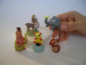 中身の人形を用意します。/ お菓子のオマケやFIMOなどの粘土で自作します。耐水性のモノを用意します。