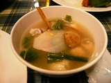 海の幸のスパイシーハーブスープ