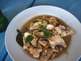 タイハーブと魚の辛い炒め物