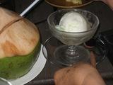 アイスクリーム&椰子のみジュース