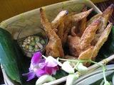 鶏手羽先の肉詰め揚げ