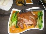 豚すね肉の煮込み(パン付)
