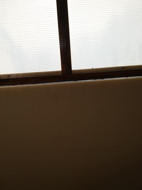 20160210_01窓の隙間