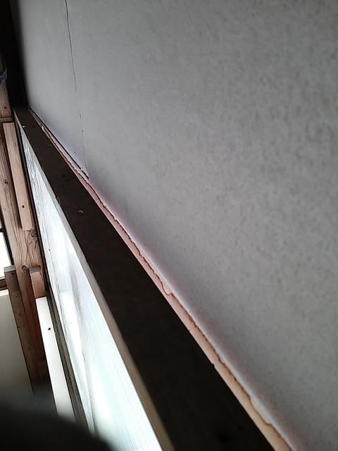 20160208_03窓の隙間