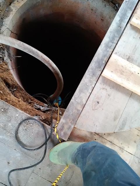 20160112_06井戸埋めポンプ投下