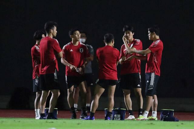 【日本代表】吉田麻也ら主力6人、帰国後初練習で緊急ミーティング