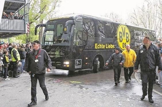 【速報】テロ?CLへ移動中のドルトムントのバスが爆発に巻き込まれ選手が負傷・・・