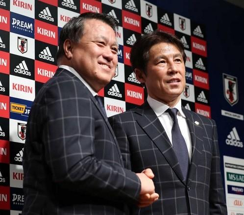 田嶋会長と西野監督