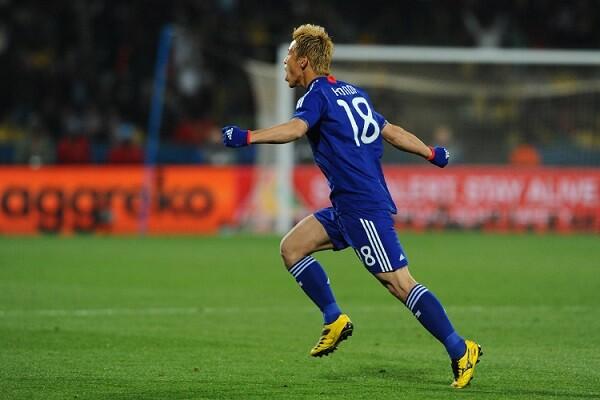 本田圭佑がW杯デンマーク戦で決めたフリーキックの距離wwwww