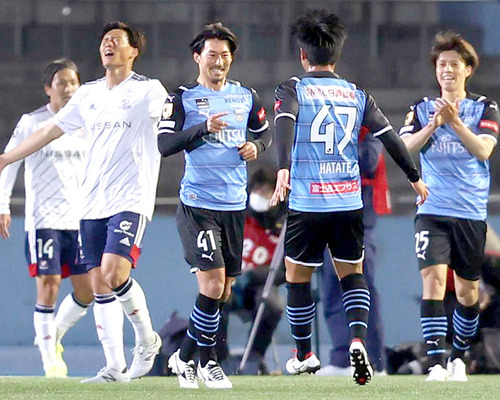 【J開幕戦】王者川崎がマリノスに2-0で勝利!家長が2ゴール!