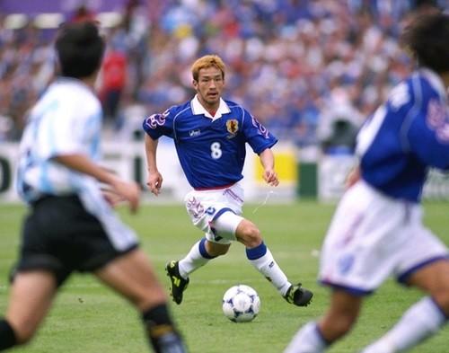 結局若い時から伸びる選手って中田みたいなフィジカルの強い選手だよな