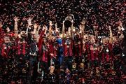 リーグ優勝して歓喜の選手達