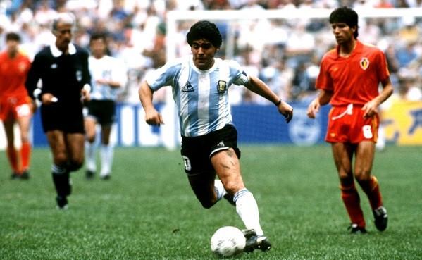 サッカーは右足左足80点の選手より、利き足120点の選手が超一流になるんだよ