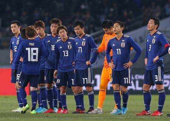 最近日本のサッカー熱冷め過ぎじゃね????