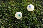 【クズ】スコットランド2部のサポ、片目失明の相手選手に模造の目玉を投げつける